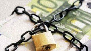 Protege tu dinero de la tormenta financiera usando fondos garantizados