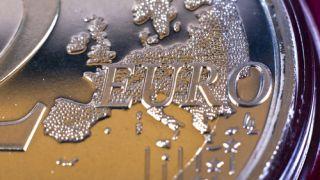 Los beneficios y riesgos de la subida del euro para la economía y para el consumidor