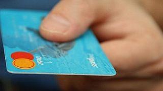 Interés por disposición de efectivo en las tarjetas de crédito