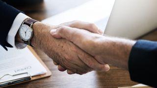 Acuerdo entre Banco Mediolanum y Correos para retirar e ingresar dinero en efectivo