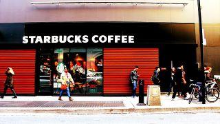 Starbucks o floristerías; si abren en tu barrio el precio de la vivienda se va a disparar