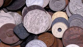 QE, reasentamiento global, y activos tangibles