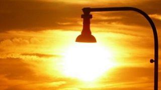 Las compañías eléctricas devolverán 25 euros de media en la factura de la luz