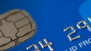 Cómo utilizar la tarjeta de crédito en las compras de Navidad
