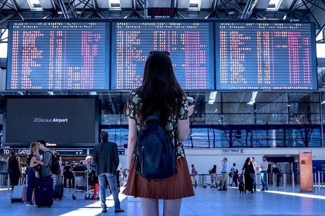 ¿Cuándo es más barato comprar un billete de avión?