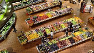 ¿Cuáles son los supermercados más caros y más baratos para llenar la cesta de la compra?