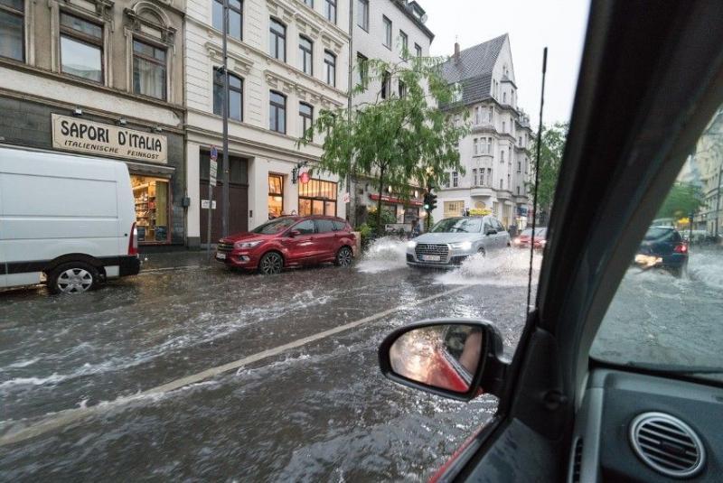 En caso de inundaciones, ¿cómo reclamar al seguro del coche los desperfectos causados?