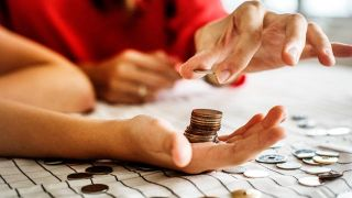 Cómo mejorar la educación financiera en España de forma multidisciplinar