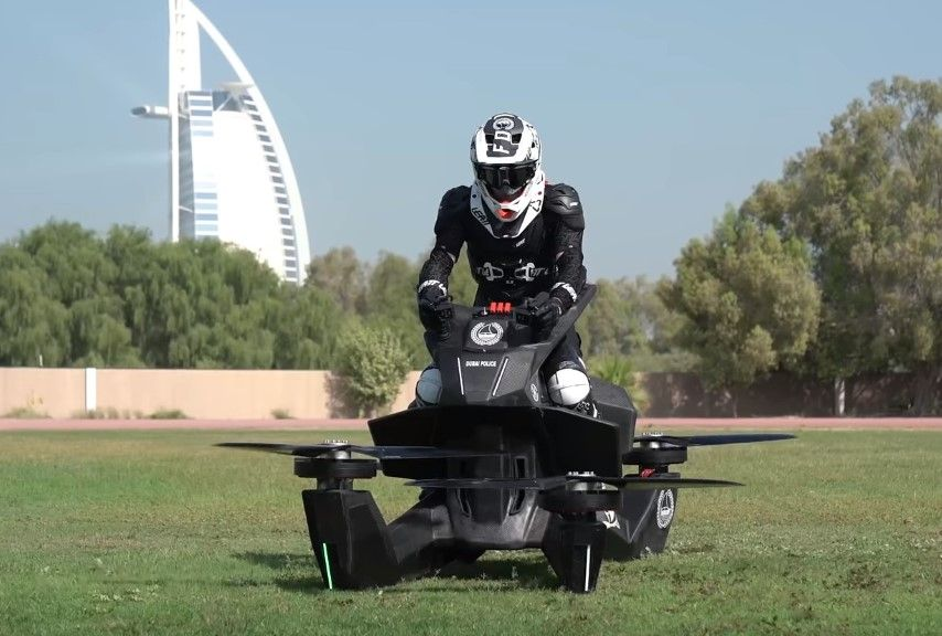 Cómo son las motos voladoras y qué precio tienen