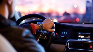¿Qué es más barato comprarse un coche, el renting o el carsharing?
