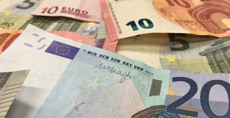 Deber 100 euros al banco te podrá llevar a una lista de morosos