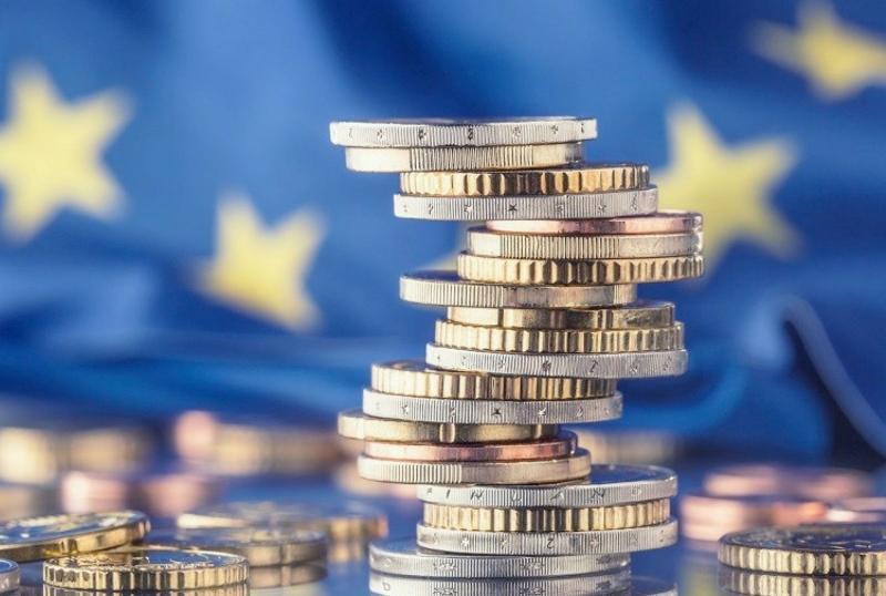 Los préstamos personales en España continúan entre los más caros de la Unión Europea