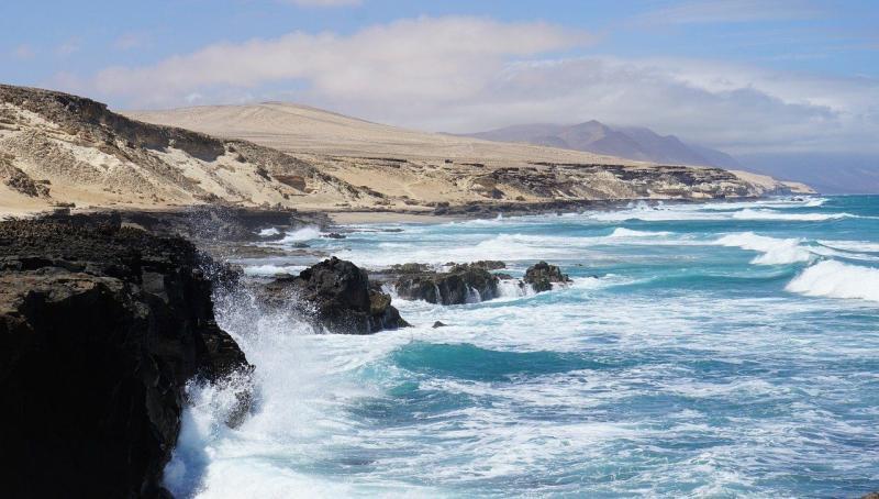 las_islas_canarias_el_destino_preferido_de_los_espanoles_para_la_semana_santa