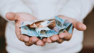 ¿Cómo tramitar un crédito personal urgente en España?